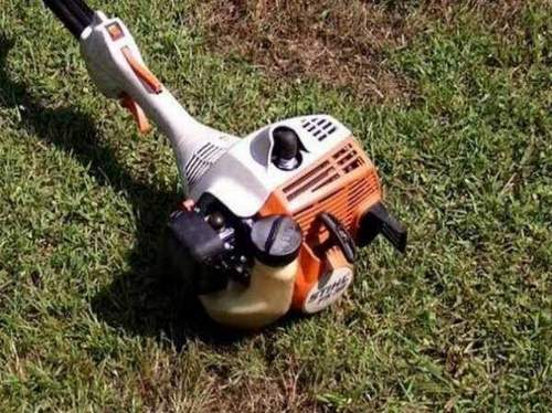 How to Fix a Benzotrimmer. Lawn mowing construction