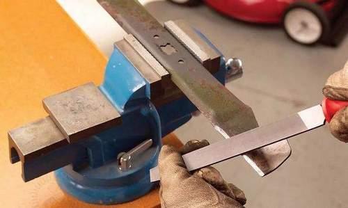 Sharpening Lawn Mower Knives