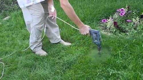 How to Mow a Lawn Without a Lawn Mower Manually with Scissors