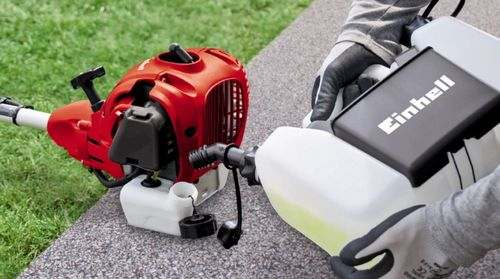 What Oil Need To Pour Into A Trimmer