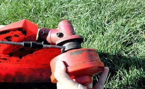 how to put the line on the trimmer reel