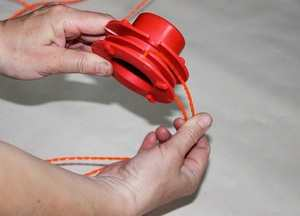 How To Pull The Line Out Of The Trimmer Reel