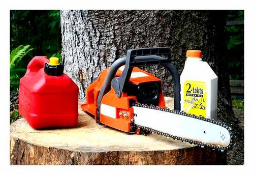 What Gasoline Is Poured Into The Chainsaw